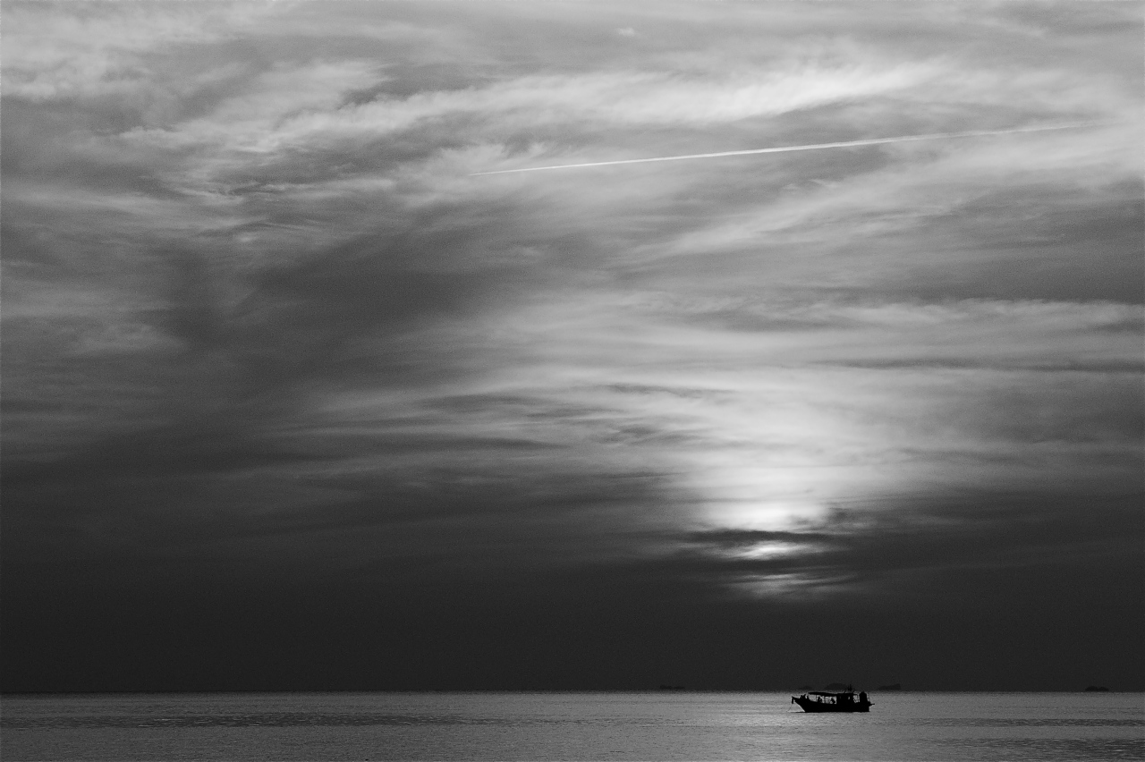 picture of a black and white sunset